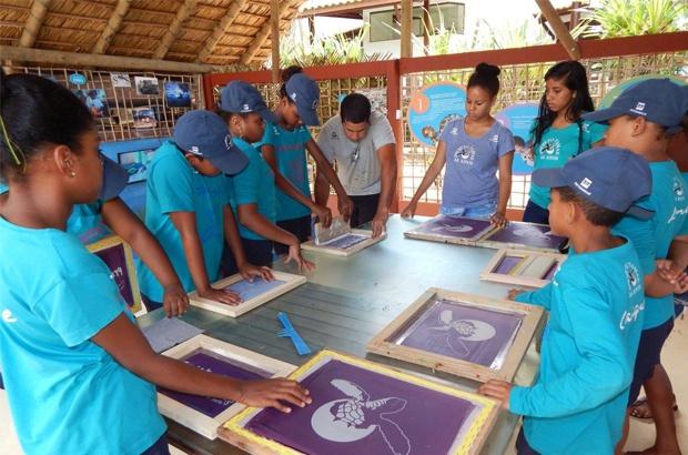 Memórias da conservação das tartarugas marinhas no Brasil