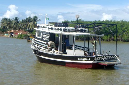 Assombração começa a navegar para monitorar pescarias em três Estados
