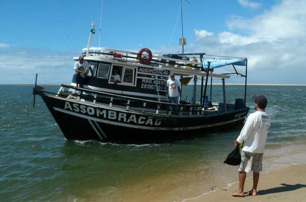 Barco Assombração passa a pesquisar o fundo do mar de Sergipe