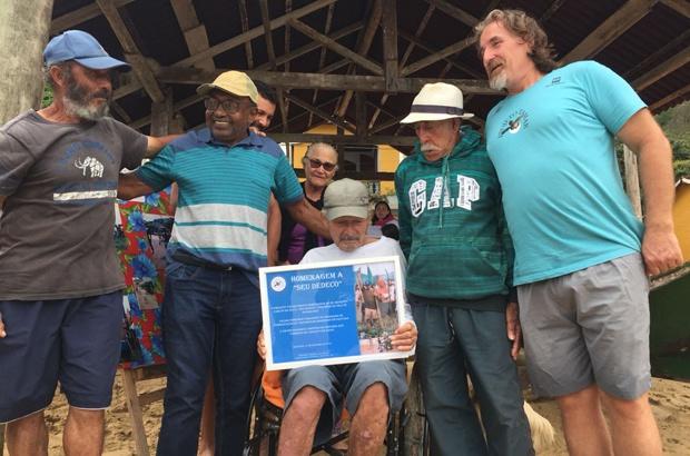 VIII Corrida de Canoas Amigo Pescador comemorou 28 anos de TAMAR em Ubatuba/SP