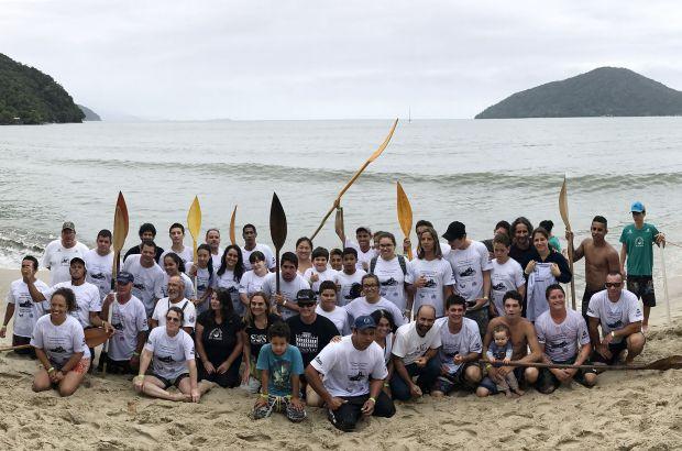TAMAR Ubatuba comemorou 26 anos com corrida de canoas no aniversário da cidade