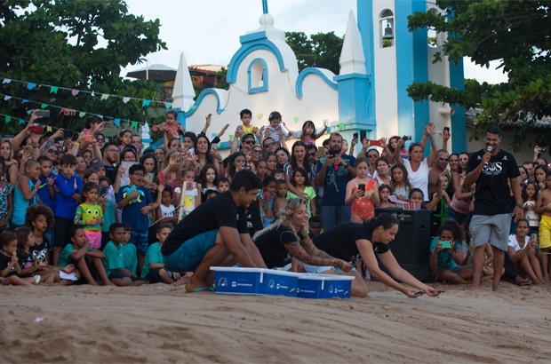 De Sol a Sol, evento ambiental informou e juntou amigos das tartarugas e baleias