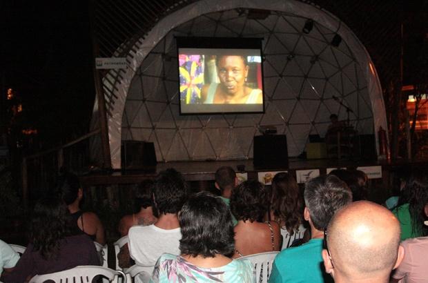 Tamar Ubatuba exibiu documentário premiado em homenagem às mulheres
