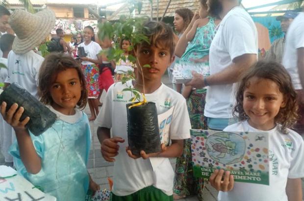 Cartilha da Escolinha mostra importância do cuidado com os oceanos e rios