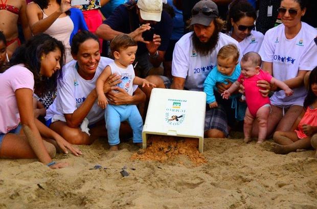 Vinte milhões de filhotes no mar do Brasil comemorados em várias bases do Tamar