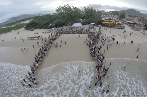 TAMAR encerra ano em parceria com pescadores da Barra da Lagoa
