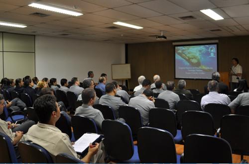 Continua parceria com a Marinha do Brasil para as pesquisas em Trindade