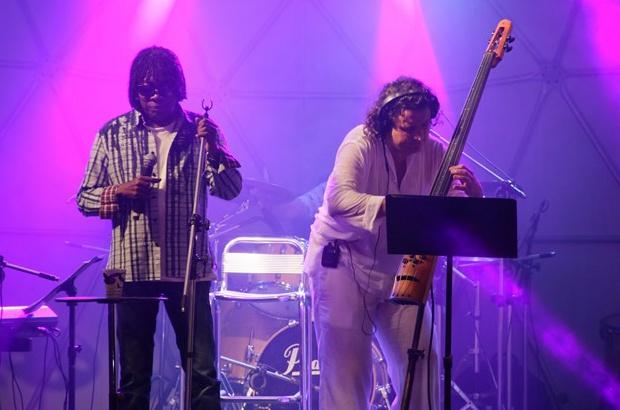 Milton Nascimento e Dudu Lima Trio homenageiam o TAMAR com Tamarear